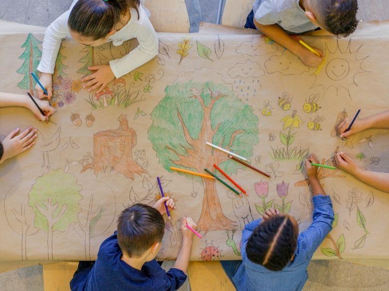 L'école des chevauchées apprend aux enfants à vivre ensemble